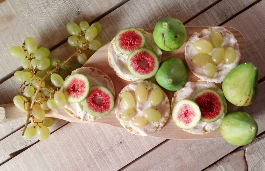 Crostini alla frutta